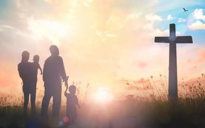 Si Jésus n'est pas au centre tout est mort, si Jésus est au centre tout prend vie